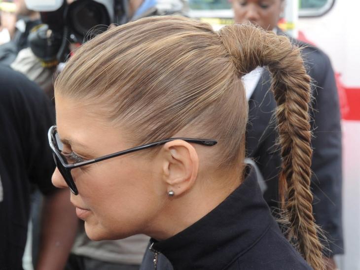 Прическа с двумя косами и хвостом